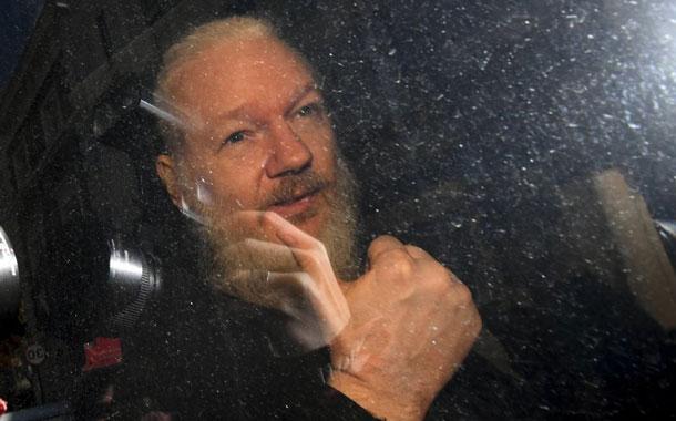 La Fiscalía sueca analizará nuevos interrogatorios en caso contra Julian Assange