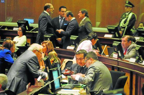 Buscan dividir en dos al legislativo