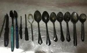 Encuentran una veintena de cucharas en el estómago de un joven en Egipto
