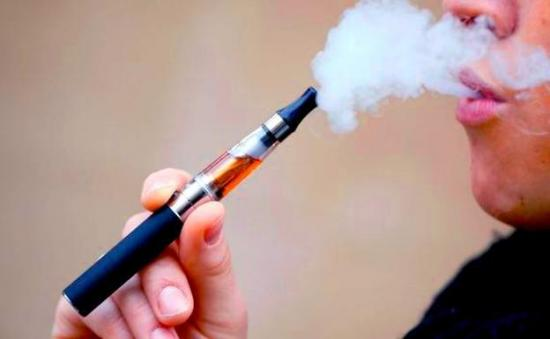 Especialistas alertan de que el pulmón no está preparado para ''vapear''