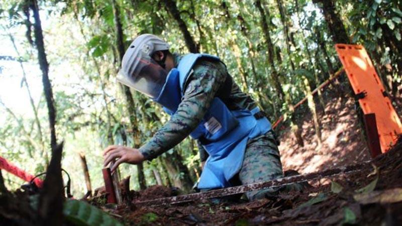 La OEA supervisa en Ecuador labores de desminado en la frontera con Perú