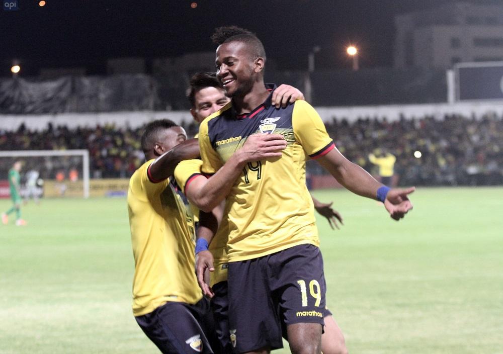 Con goles de Estrada, Sornoza y Plata, la 'Tri' vence 3-0 a Bolivia en Cuenca