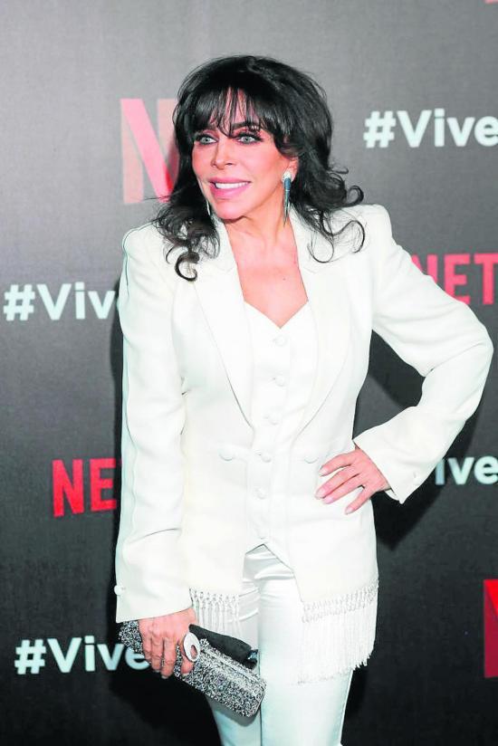 Yolanda confirma que  se casó con Verónica