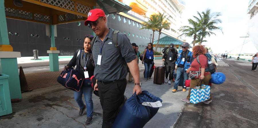 Bahamas cierra aeropuertos por tormenta atrasando ayuda a víctimas de huracán