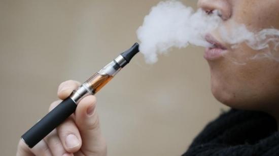 Nueva York prohíbe la venta de cigarrillos electrónicos con sabor
