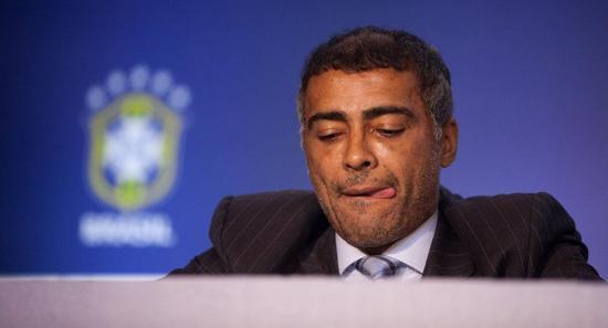 Romário, condenado a pagar millonaria multa por atraso en alquiler