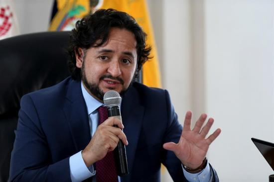Ministro anuncia proyecto de ley de protección de datos tras filtración masiva