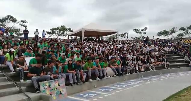 PORTOVIEJO: Jóvenes protestan para que se tomen acciones en contra del cambio climático