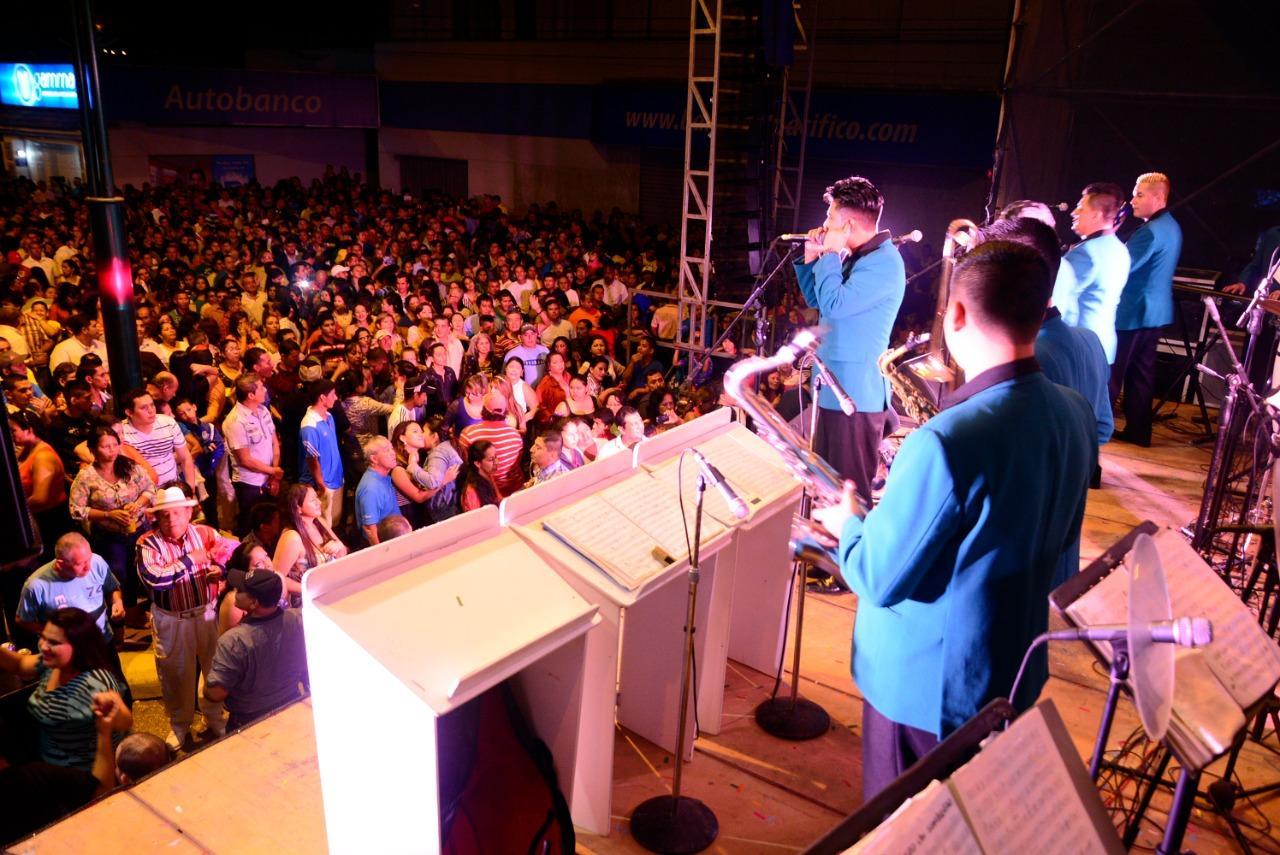 Pregón, concierto y el popular ''Avenidazo'' por los 199 años de Independencia de Portoviejo