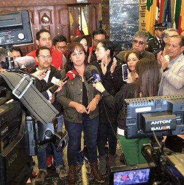 Asambleístas 'correístas' piden adelanto de elecciones y destitución de Moreno