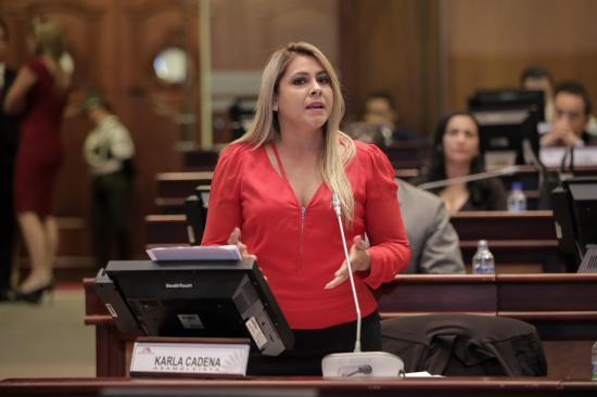 Asambleísta manabita Karla Cadena rechaza medidas económicas
