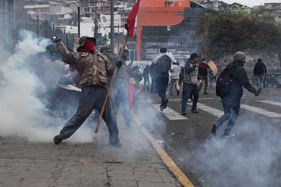 Problemas de transporte y bloqueos en inicio de huelga convocada por sindicatos e indígenas