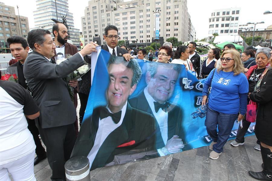 Las cenizas de José José llegan a México para un sentido adiós