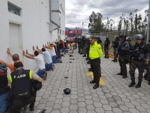 Detenidos 17 extranjeros con información sobre la movilización del presidente de Ecuador