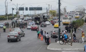 Calma vuelve a Guayaquil pero se mantiene protesta en la capital de Ecuador