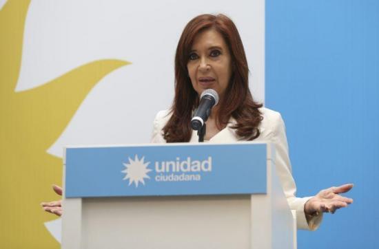 Juicio por corrupción a Cristina Fernández se aplaza a después de elecciones