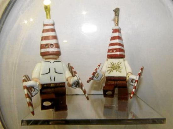 Figuras  indígenas de lego