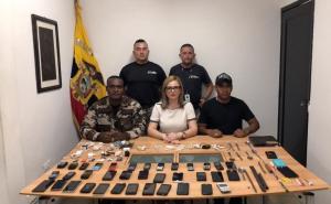 Decomisan celulares y otros objetos en la cárcel de Jipijapa