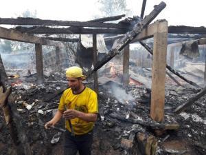 El fuego destruye dos viviendas en Manabí