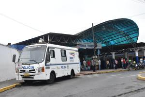 Presencia de la Unidad Móvil de Atención Ciudadana da seguridad en la terminal de Santo Domingo