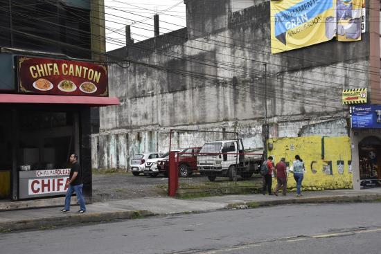 Nuevo cruce a la avenida Tsáchila