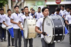 Dos horas de desfile cívico por la independencia de Portoviejo