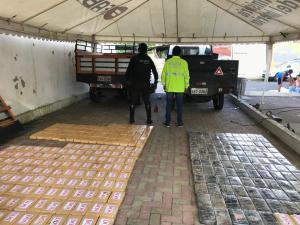 Policía captura a hombre oriundo de Chone con cargamento de droga