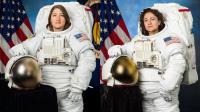 Dos astronautas hacen historia con un paseo espacial íntegramente femenino