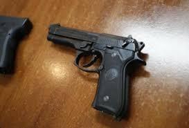Manta: Hombre fue detenido en un operativo con arma de fuego