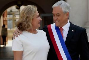 Primera dama de Chile compara las protestas con una ''invasión alienígena''