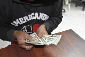 Seis delincuentes roban 15 mil dólares en La Concordia