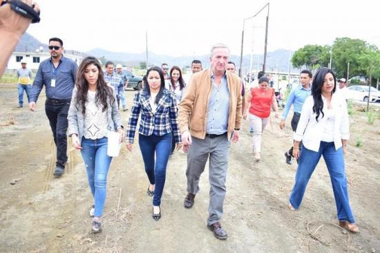 420 días para construir el hospital de Bahía de Caráquez