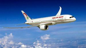 Pasajera de avión marroquí da a luz en pleno vuelo y avión da media vuelta