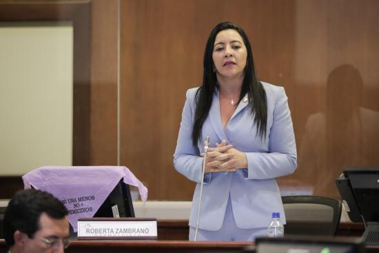 Prefecta de Esmeraldas sufre un atentado en Manta durante el feriado