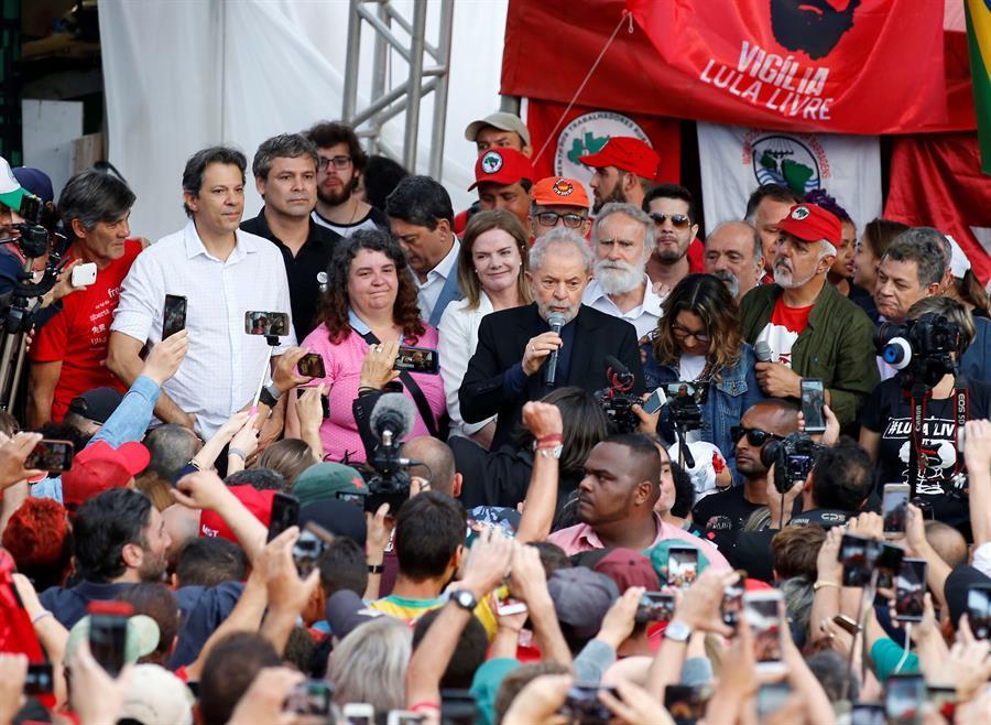 Lula, al salir de la cárcel: ''Han intentado criminalizar a la izquierda''