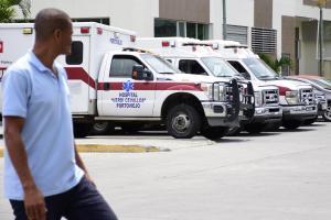 Tres ambulancias del hospital Verdi Cevallos están paralizadas por falta de combustible
