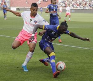 Liga de Quito gana 2-0 a Delfín en la primera final de la Copa Ecuador