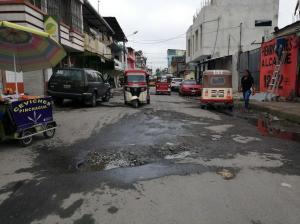 En La Concordia, los habitantes de la calle 10 de Agosto se sienten abandonados - El Diario Ecuador