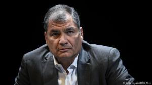 Rafael Correa y 21 personas más, acusados de cohecho