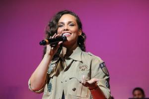 Alicia Keys repetirá como presentadora en la 62 edición de los Grammy