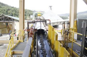 Gigante mina Fruta del Norte empieza a producir oro y plata en Ecuador