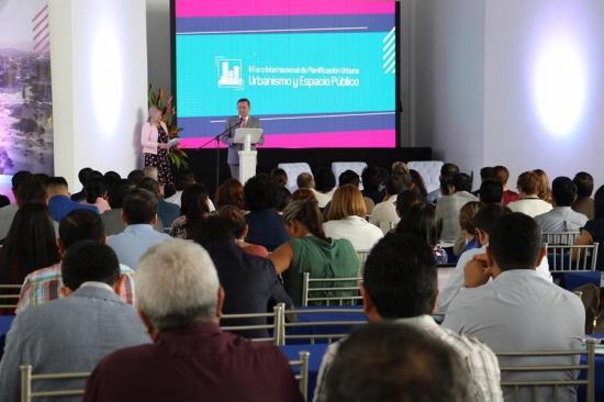 PORTOVIEJO: Alcalde Agustín Casanova exige obras de reconstrucción