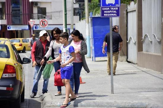 Suspenden cirugías en el hospital Verdi Cevallos Balda