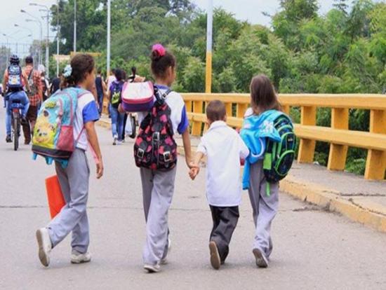 Unos 400.000 niños venezolanos sin escolarizar en Colombia, Brasil y Ecuador
