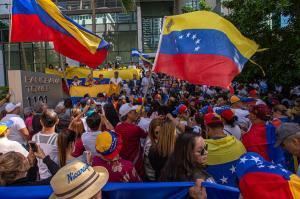 Música y nostalgia coparon el plantón de venezolanos contra Maduro en Ecuador