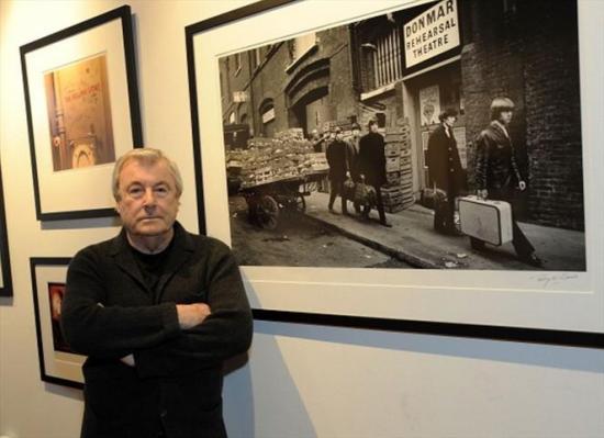 Muere Terry O'Neill, fotógrafo de celebridades, como los Beatles