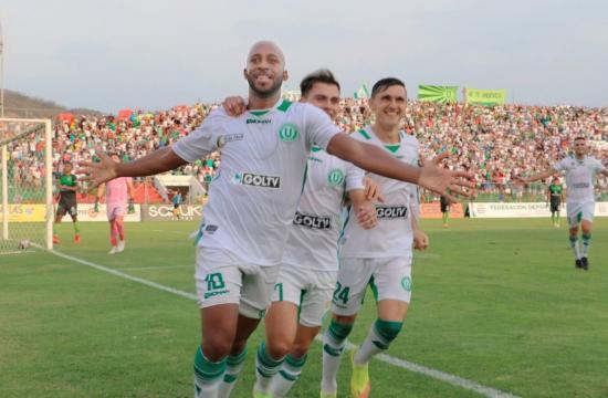 Suspenden partidos de play off de la Serie B tras medida cautelar interpuesta por hincha