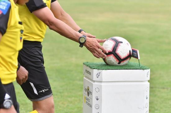 Partidos de play off de la Serie B se jugarían pese a medida cautelar