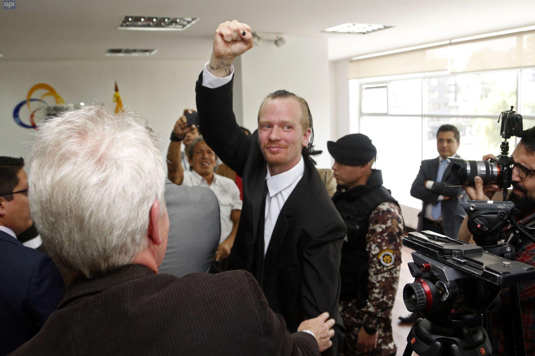 Ola Bini teme que decisión sueca acelere extradición de Assange a EE.UU.
