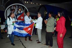 Cuba y Ecuador confirman fin de pactos de servicios médicos y científicos